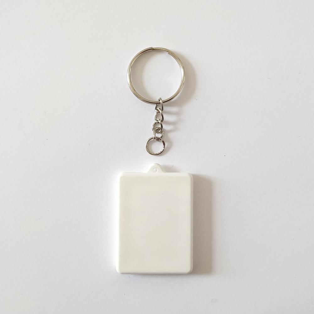 Поликерамический брелок прямоугольник с кольцом под заказ