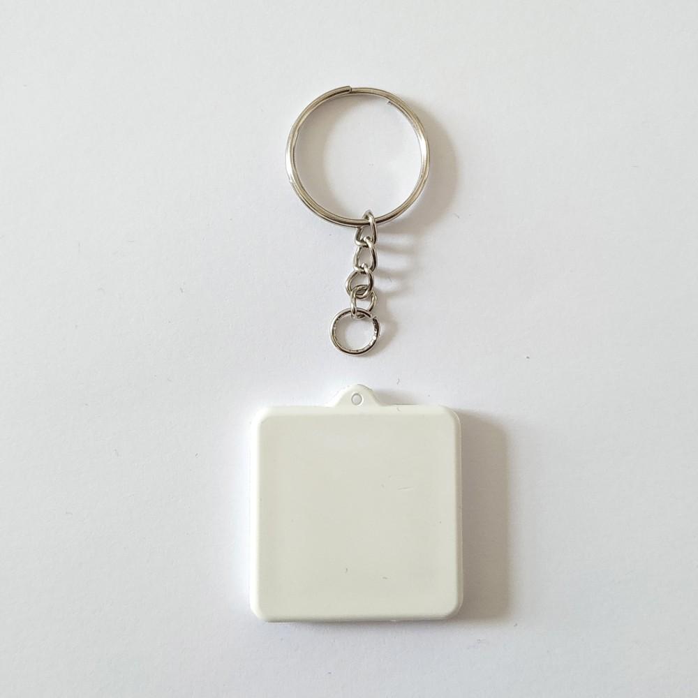 Поликерамический брелок квадрат с кольцом под заказ