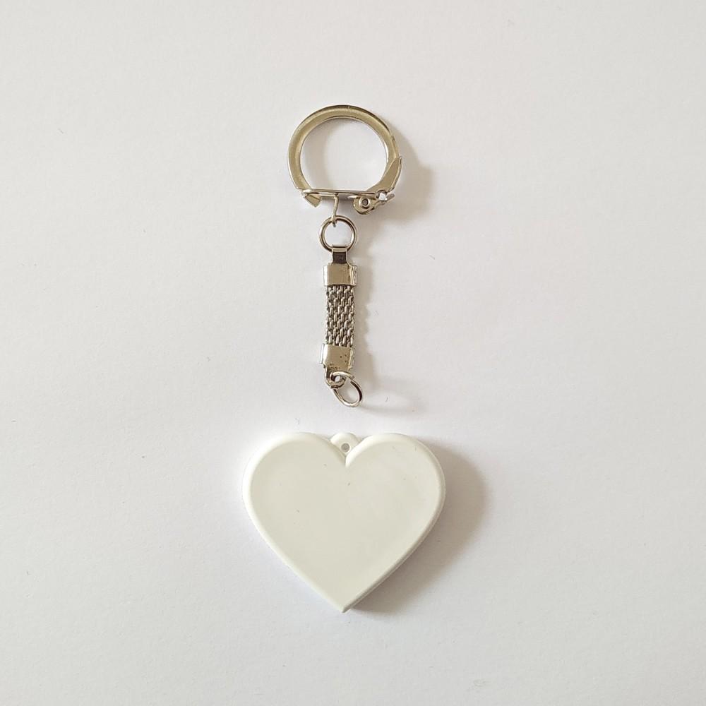 Поликерамический брелок сердце с кольчугой под заказ