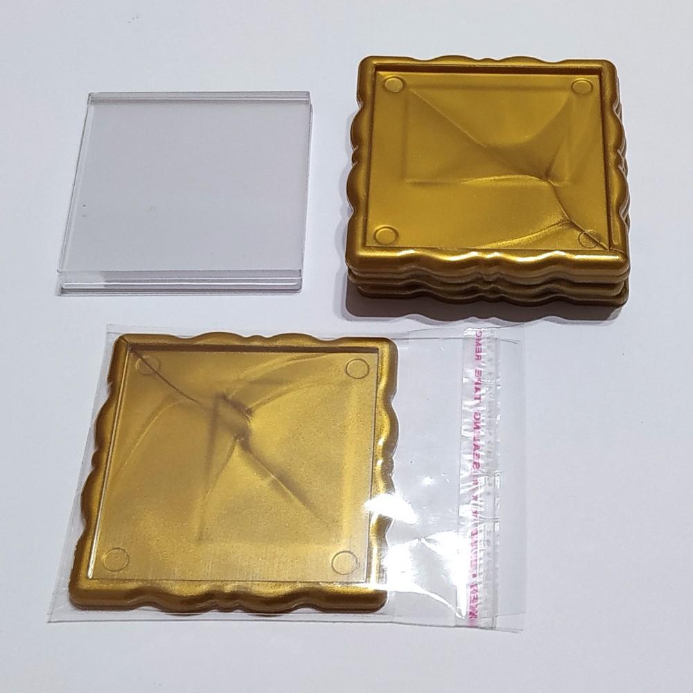 Акриловая заготовка для магнита Фигурная рамка 65*65 мм золотистая